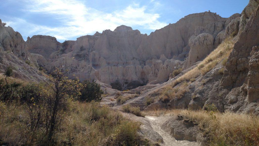 The narrowing canyon.